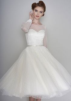 Tulle Wedding, White Wedding Dresses, Chic Wedding, Elegant Dresses, Wedding Styles, Vintage Dresses, Sexy Dresses, Summer Dresses, 1940s Wedding