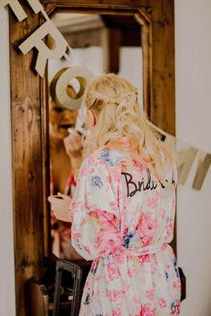 Morgenmantel für Getting Ready der Braut - Eine Sommernachtstraum Vintage Hochzeit   Hochzeitsblog The Little Wedding Corner