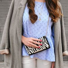 Fantasy time    #today #outfit #isfriday #happytime #new #post #monturquoise #mix #fashion #creative #texture #colors #streetstyle #animalprint #bluelight #taupe #blazer #golden #necklace