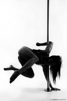 Elbow grip variation on Natasha Wangs BGirl #poledance #polefitness