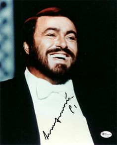 Luciano Pavarotti could sing everything, phrased everything flawlessly, carried perfectly in any sized house, and had one of the most beautiful tenor voices of all time. He was an unimpeachable singer, and  he has been the world's most famous singer since the 1970's.