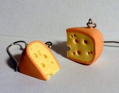 Ohrringe Käse handgemacht aus Fimo mit Edelstahl  von Verrückte Ohrringe und Schmuck Welt auf DaWanda.com