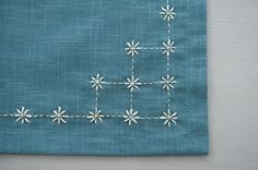 Japanese Embroidery Designs traditional sashiko stitch \kome zashi\ or rice stitches. Simple and sweet. Sashiko Embroidery, Embroidery Flowers Pattern, Simple Embroidery, Japanese Embroidery, Hand Embroidery Stitches, Hand Embroidery Designs, Embroidery Art, Flower Patterns, Cross Stitch Embroidery