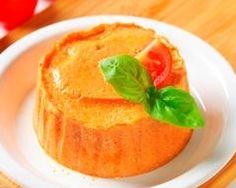Flan de carottes       1 kg de carottes     5 oeufs     2 c. à soupe de farine     200 g de gruyère râpé     beurre pour les moules     sel, poivre