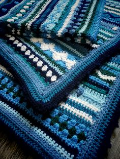 Blanket (pattern of As-We-Go Stripey Blanket by Hannah Davis)