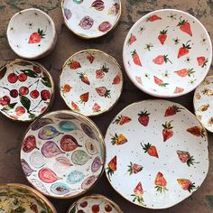 Diy Clay, Clay Crafts, Diy And Crafts, Pottery Painting Designs, Paint Designs, Ceramic Tableware, Ceramic Pottery, Ceramic Painting, Ceramic Art