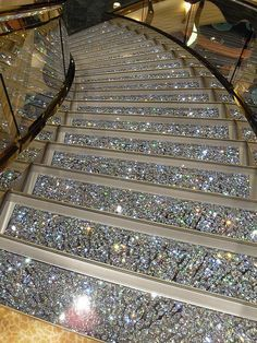 Swarovski Crystal Staircases on the MSC Fantasia. GASP and SWOON! I can soooooo see me sashaying down this sparkling staircase! I GOTTA have this! Boujee Aesthetic, Aesthetic Pictures, Luxury Life, Luxury Homes, Glitter Photography, Stairway To Heaven, House Goals, Dream Rooms, My Dream Home