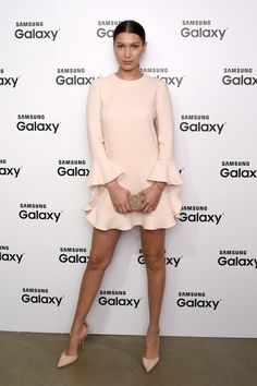 Naked in the Streets: The Best Celebrity Nude Style 16 monochromatic neutral outfit ideas to take from the most stylish celebrities: Bella Hadid Celebrity Dresses, Celebrity Style, Silhouette Mode, Nice Dresses, Short Dresses, Dressy Dresses, Club Dresses, Fashion Mode, Fashion Tips