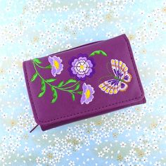 Gift idea for your loved one who is fond of flower and butterfly. This is vegan and eco-friendly. Isn't it lovely? Butterfly Embroidery, Embroidery Motifs, Moroccan Pattern, Small Wallet, Wallets For Women, Biodegradable Products, Vegan Leather, Eco Friendly, Fashion Accessories