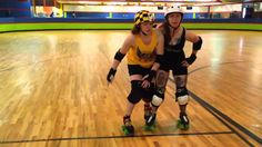 Atom Skate Academy 'hip flip' technique explained - Atom All-Star Holly Gohardly demonstrates how to avoid blocking in roller derby using the 'hip flip' technique.