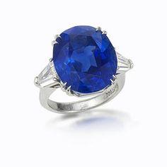 Bonhams 1793 : A sapphire and diamond ring