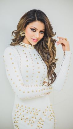 Fashion Tips For Women Bollywood Girls, Bollywood Celebrities, Bollywood Actress, Tween Fashion, Fashion Tips For Women, Fashion Ideas, Women's Fashion, Beautiful Indian Actress, Beautiful Actresses