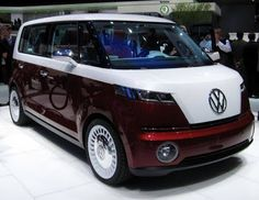 VW Bulli - New Volkswagon Mini Bus coming! (I say bring back the VW Bus instead) Transporteur Volkswagen, Vw T1, Mini Bus, Bugatti, Kombi Food Truck, Vw Minibus, Van Vw, Automobile, Combi Vw