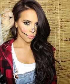 SCARECROW FOR HALLOWEEN MAKEUP LOOK. Feathered flower in hair, dark brown hair How to on www.sarahandelizabeth.com    Fashion blogger @sarahnelizabeth