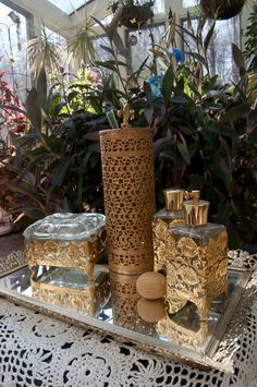 Vintage vanity set. Not a huge fan of gold stuff but this is just too glorious.