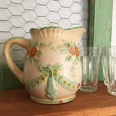 This is such a sweet vintage milk pitcher....perfect for giving to mom for Mother's Day! 🙋🌸🌿