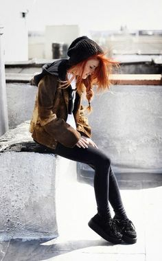 Grunge fashion... Probably one of my favorite fashion eras besides the 1920s