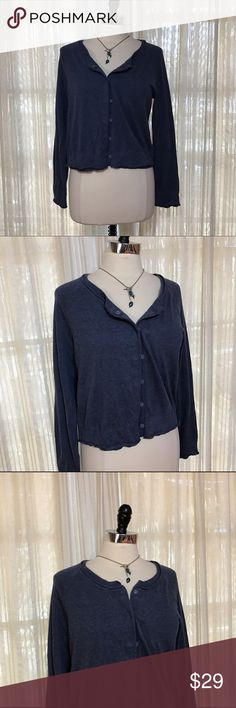 NEW LISTING💗J. Jill blue crop Cardigan sweater Size Medium. Snap front. Long sleeves. 100% cotton. NWT  💟Fast 1-2 day shipping 💟Reasonable offers accepted 💟Purchase 3 or more items & get a special bundle rate!  💟Smoke-free home J. Jill Sweaters Cardigans