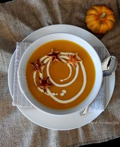 Food for thought: Σούπα κολοκύθας με αστεράκια σφολιάτας Pumpkin Soup, Thai Red Curry, Cooking, Ethnic Recipes, Food, Butternut Squash Soup, Kitchen, Squash Soup, Essen