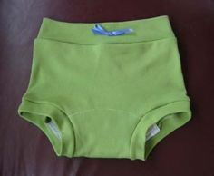 Wee Weka Knickers « Simply Serina, Training Pants pattern and tutorial FREE this is perfect Training Pants Pattern, Cloth Training Pants, Toddler Training Pants, Free Clothes, Sewing Clothes, Cloth Diaper Pattern, Diaper Covers, Sewing Ideas, Sewing Projects