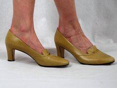 e935479ae85a 80s Ferragamo Shoes   Tan Ferragamo Pumps   Tan Leather Pumps   1980s  Ferragamo Heels   Salvatore Fe