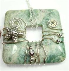 One Hour Wire-Stone Donut Wrap with Deb Driver - click on videos! Tons of inspirational wire wrap designs.
