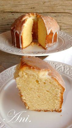 Bunt Cakes, Cupcake Cakes, No Bake Desserts, Delicious Desserts, Empanadas, Brownie Recipes, Cake Recipes, Mantecaditos, Plum Cake
