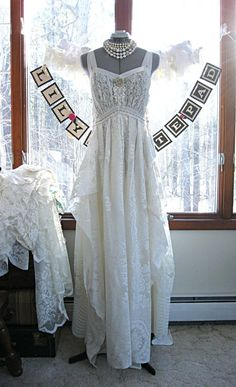 SMALL Floor length wedding dress vintage white with gold trim bohemian boho gypsy hippie formal dress, lace, US size 6-8, 34-35 inch bust