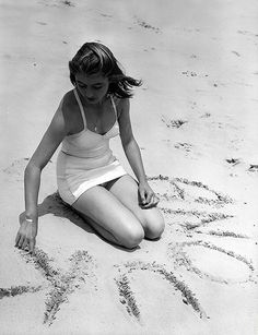 Anouk Aimée on the beach in 1949 Anouk Aimée, Norman Lindsay, Charriol, Sophie Marceau, Italian Actress, French Beauty, Black And White Pictures, Vintage Vogue, Vintage Ladies