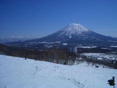 ニセコ東山スキー場 (北海道ニセコ町) Home And Away, Mount Rainier, Snowboard, Places To See, Landscapes, Backgrounds, Japan, Mountains, Nature