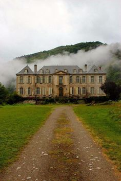 Chateau du Gudanes, 18th century, southern France(S.C.~I what a spectacular picture. It makes me want to crawl through the screen visit for a while.)