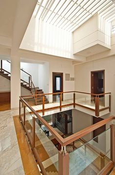 House Hall Design, Home Stairs Design, Railing Design, Modern House Design, Interior Design Your Home, Home Room Design, Home Design Plans, Interior Ideas, Stairs In Living Room