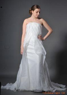 Robe fourreau sans bretelle en Satin et en organza ornée de plis avec traîne longue Robe de mariée sirène
