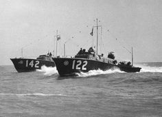 BPBC Type 2 'Whaleback' High Speed Launches, HSLs 122 and at sea off Dover, Kent. British Power Boat Company Type 2 'Whaleback' High Speed Launches of the RAF Marine Branch, at sea off Dover, 7 April 1941 Hawker Typhoon, Marine Commandos, D Day Normandy, Boat Companies, Pt Boat, Fast Boats, Ww2 History, Battle Of Britain, Search And Rescue
