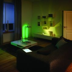 Philips Hue Bloom LED Smart Mood Lamp - Version 2 | Maplin