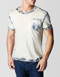 0fca53cfee973 3310 melhores imagens de Camisetas em 2019