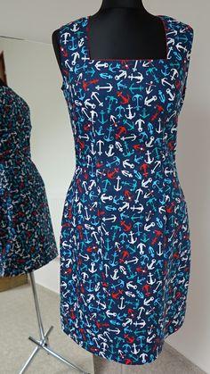 šaty+pouzdrové+námořnické+na+míru+ušila+jsem+pouzdrové+jednoduché+šaty,+dekolt+jsem+řešila+hranatým+výstřihem+s+červeným+detailem+podsádky,+šatky+na+fotce+už+majitelku+mají,+materiál+je+momentálně+u+mne+skladem+ještě+na+jeden+model+ve+velikosti+32/34/36/38+i+na+větší,+ale+zde+je+vyšší+spotřeba+látky,+o+290,--kč+na+figuríně+jsou+šaty+vel+36,+dlouhé+95cm...