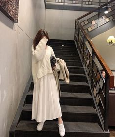Casual Hijab Outfit, Modest Fashion Hijab, Modern Hijab Fashion, Muslim Fashion, Minimal Fashion, Cute Fashion, Korean Girl Fashion, Korean Fashion Trends, Ulzzang Fashion