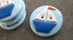 Knöpfe sail buttons Educational Games For Kids, Biscuit, Polymer Clay Crafts, Button Crafts, Clay Art, Jewelry Art, Sewing Crafts, Craft Projects, Creations