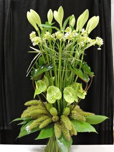 Bouquet décoratif réalisé par un formateur en art floral .CFA Blagnac (France).
