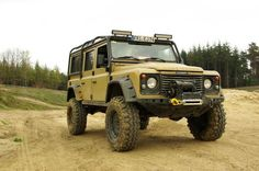 Land Rover Defender, always enjoyed this model