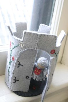 felt castle tower. Nice. I made one of these a whole back. They are fun to detail.