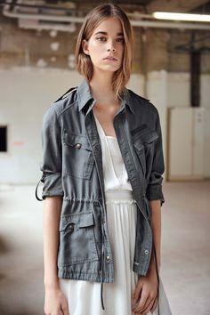 Comptoir des Cotonniers Spring 2016 Ready-to-Wear Fashion Show