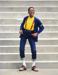 U is for Urkel Need we repeat that costumes are all the rage? Break out the suspenders and go for some nostalgia as Steve Urkel. More ideas: Underworld, Ursula from The U is for Urkel Need Nerd Costumes, 90s Costume, Hippie Costume, Family Costumes, Group Costumes, Pop Culture Halloween Costume, Halloween Kostüm, Diy Halloween Costumes, Costume Ideas