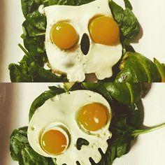 We may love skulls just a bit around here #skulls #breakky #breakfast #friedeggs #boo #halloween #homecooked #whywouldyougoout #drparkinsonipresume #mrscptkangaroo
