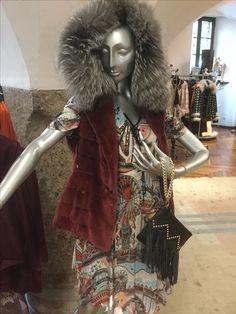 Elegant, Fur Coat, Women Wear, Jackets, Fashion, La Mode, Fur, Sporty, Guys