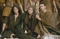 The Passion of the Christ - Publicity still of Maia Morgenstern, Monica Bellucci & Christo Jivkov. The image measures 1400 * 926 pixels and was added on 19 August Mel Gibson, Christ Movie, Mary John, Monica Bellucci Photo, Jesus E Maria, Marie Madeleine, Pictures Of Christ, Blessed Mother Mary, Mary Magdalene