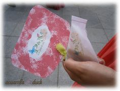 Detalle de pai pai y bolsita de arroz de una boda con muchas mariposas. #ideas #boda #decoracion #mariposas #abanico