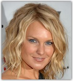 Medium Length Naturally Curly Hairstyles | Listed Below are Three Beautiful Wavy Hair Styles: