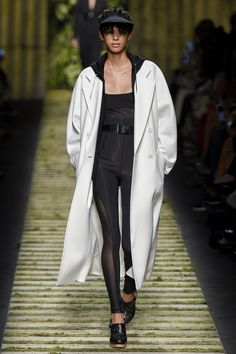 Max Mara - Spring 2017 Ready-to-Wear